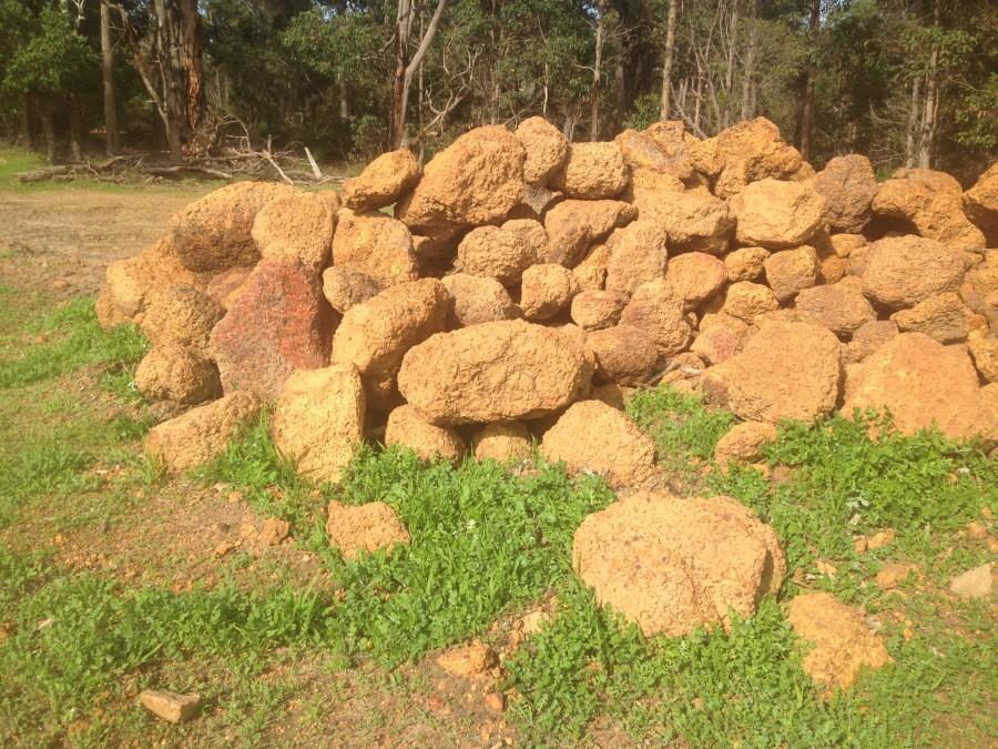 Gravel boulders